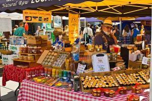 farmers-market-honey