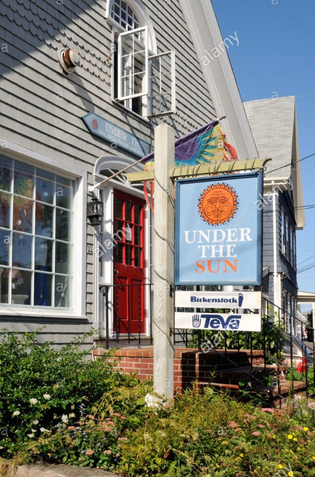 under-the-sun-gift-store-in-woods-hole-falmouth-cape-cod-BDTM91